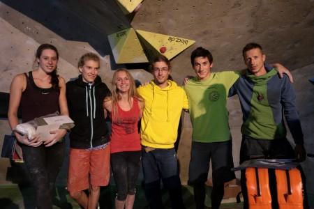 Gewinner von links nach rechts_Paula Traband 3. Platz_Claudia Brandt 2. Platz_ Roxana Wienand 1. Platz_Tassilo Hufnagel 1. Platz_Samuel Faulstich 3. Platz_Tomasz Oleksy 2. Platz