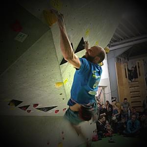 BLOCKHELD-BLOCKHELDIN-2015-Erlangen-boulder-Finale-Wettkampf044