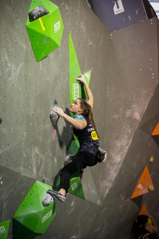 rederike Fell (DAV Freising) beim 1. Deutschen Jugendcup Bouldern in Hannover © DAV : Vertical-Axis