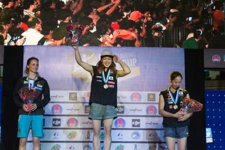 bwc-2016-mumbai-podium-damen-mumbai-retschy-nonaka-noguchi-foto-ifsc-eddie-fowke