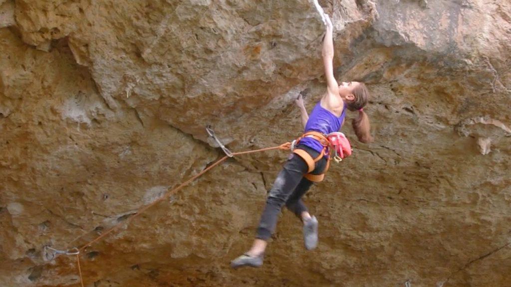 Laura Rogora klettert 9a in Italien