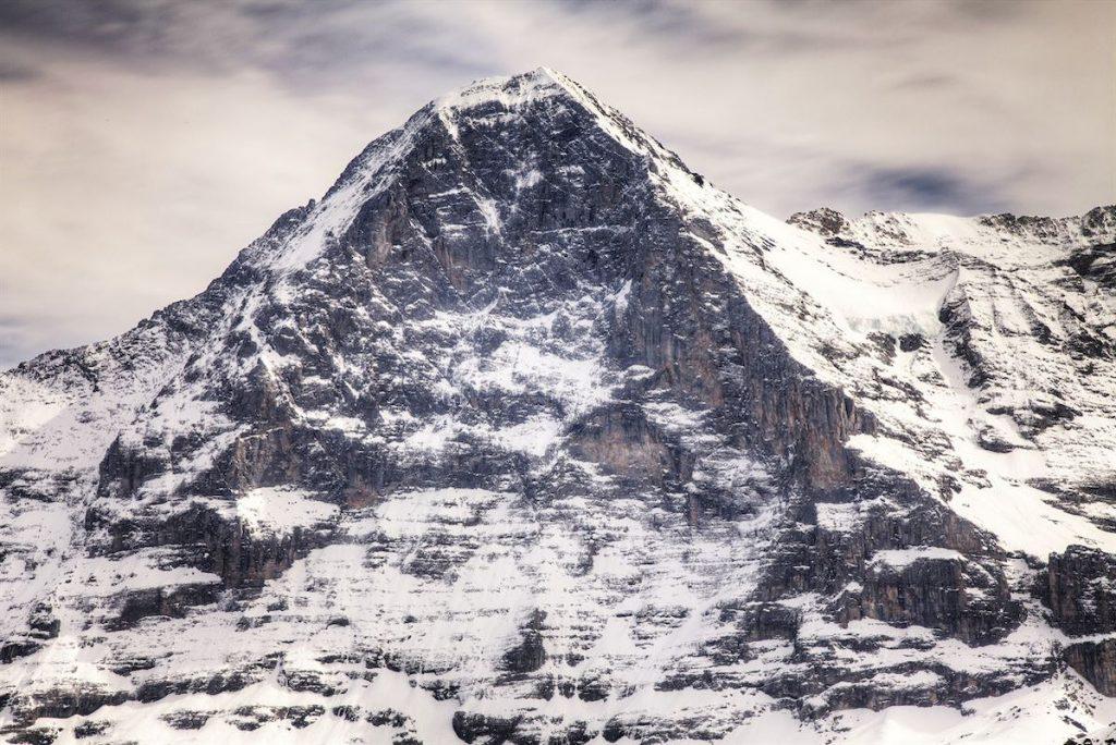 Petit Dru, die Drei Zinnen und das Matterhorn: Sie alle sind bekannt für ihre gefährlichen Nordwände. Letztere lockt dennoch jedes Jahr Millionen vo