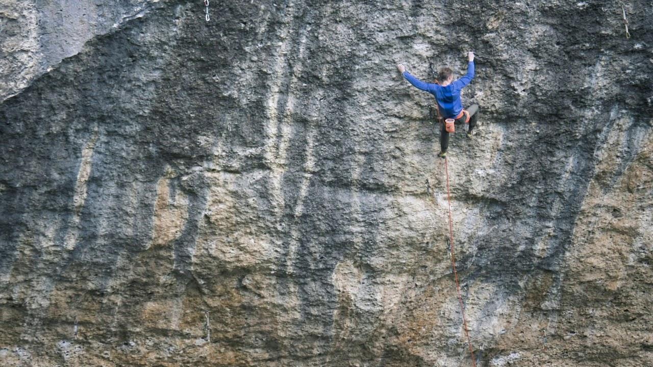 Jakob Schubert klettert perfecto mundo 9b+