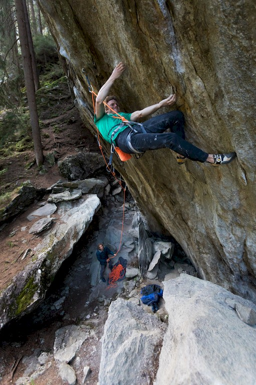 Jakob schubert klettert walk the Line (9a)