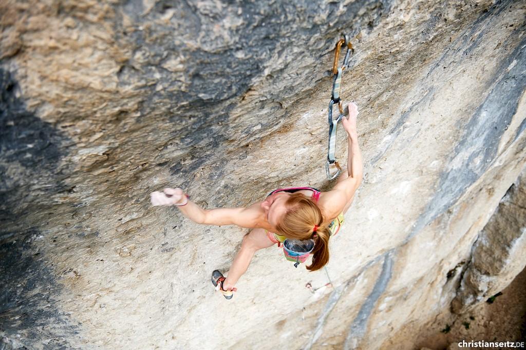 Martina Demmel klettert Klondike Cat (11-
