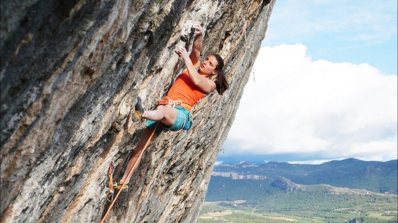 Anak Verhoeven climbs Joe mama (9a+) in Oliana [Video]