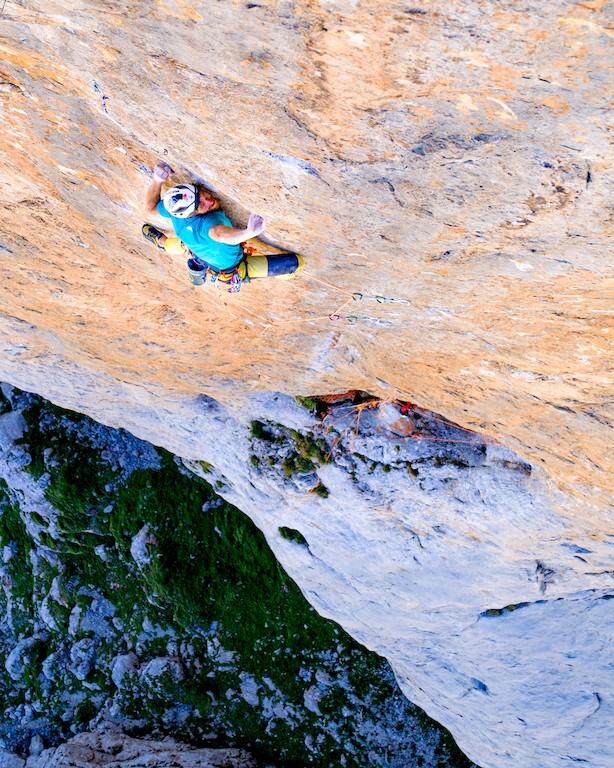 Siebe Vanhee klettert Orbayu (8c / 500m)