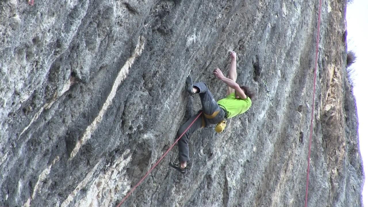Mamichula (9b) Adam Ondra Kletterszene
