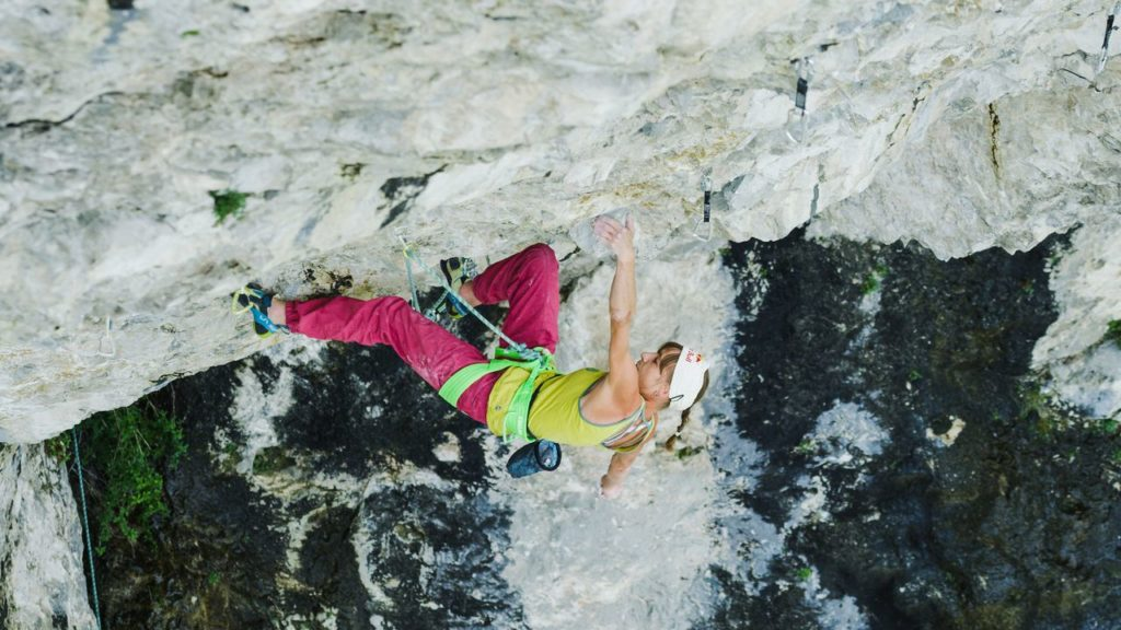 Angy Eiter  klettert Madame Ching (9b), red bull content pool
