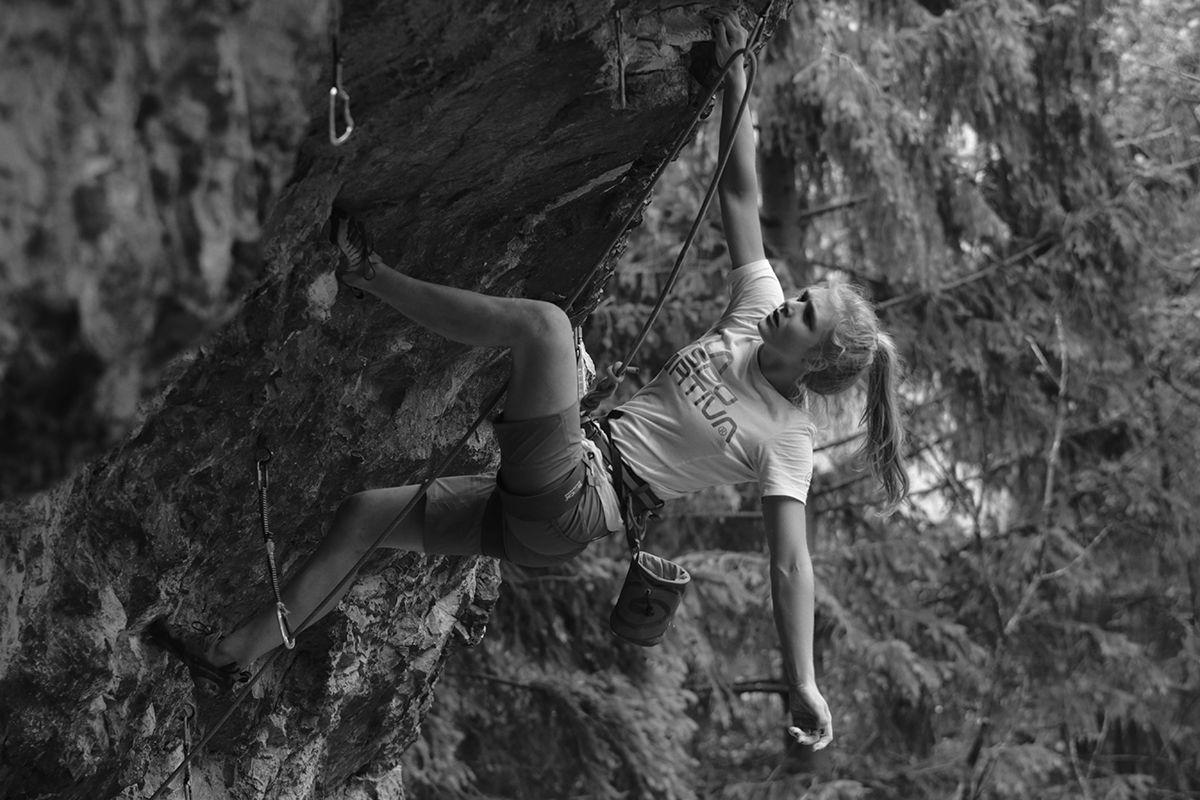 Ella Adamovska climbing news kletterszene