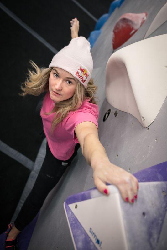 Shauna Coxsey Bouldern