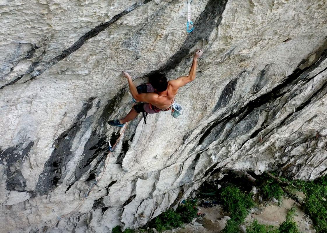 Hugo Parmentier klettert La Rage d'Adam (9b/+)