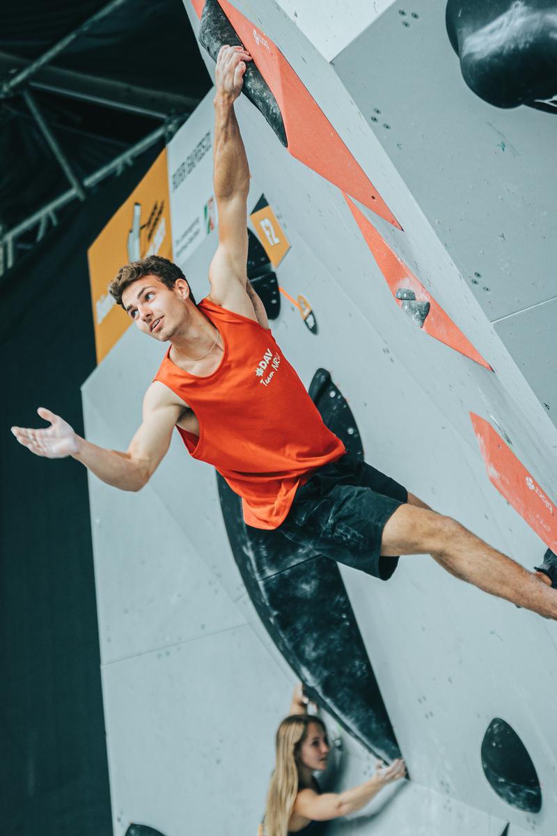 Die Deutsche Meisterschaft im Bouldern ist soeben zu Ende gegangen: Die neuen Champions heißen Afra Hönig  und Yannick Flohé .