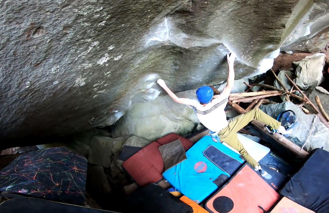 la force tranquille (8c) Magic Wood Boulder