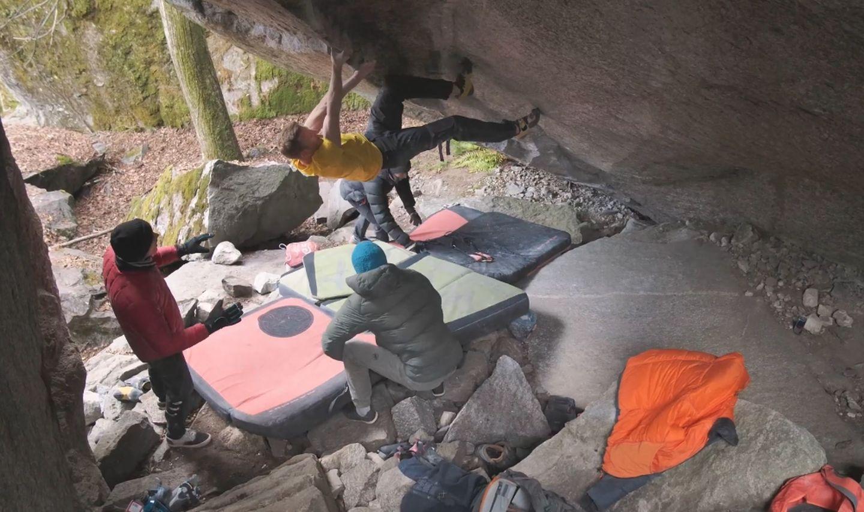 jakob Schubert bouldering in Val bavona