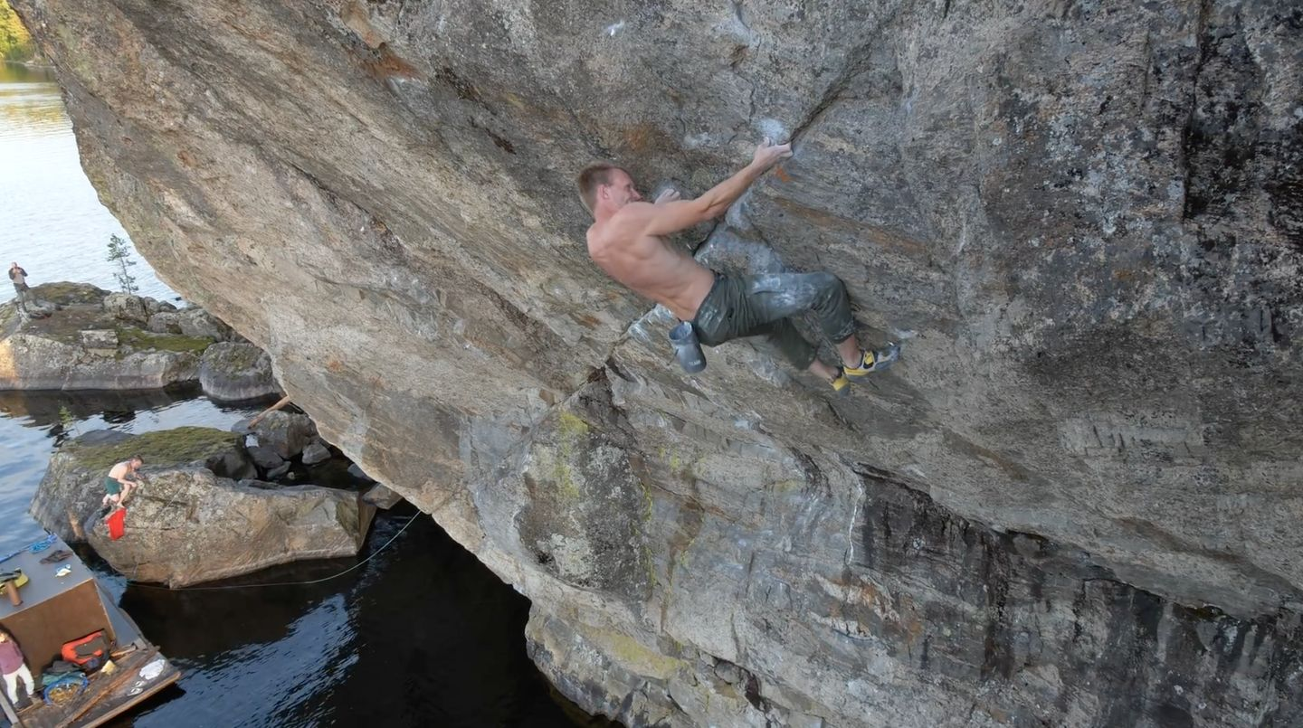 nalle hukkataival- deep water soloing in finland