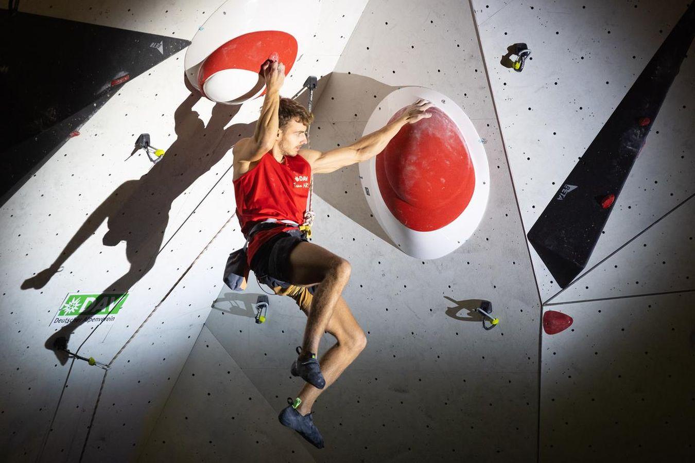 Yannick Flohè klettert die Deutsche Meisterschaft
