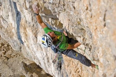 SALEWA BESTELLUNG: Italy. South Tyrol. Dolomits. Vallon-Sellogruppe, Boe'seekofel 2908. Simon Gietl first ascent of Fairplay 9+/10- © Claudia ZIegler