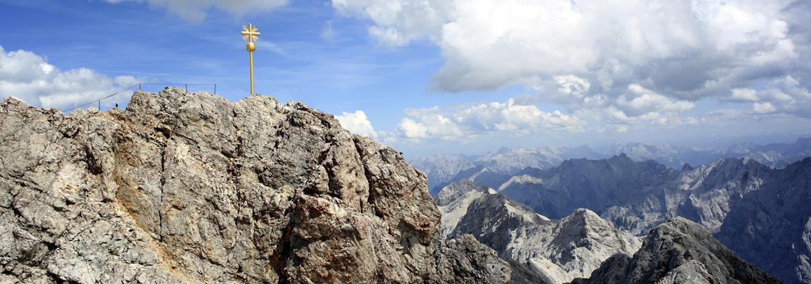 bergzeit_mountain_equipment_alpin_camp_slider
