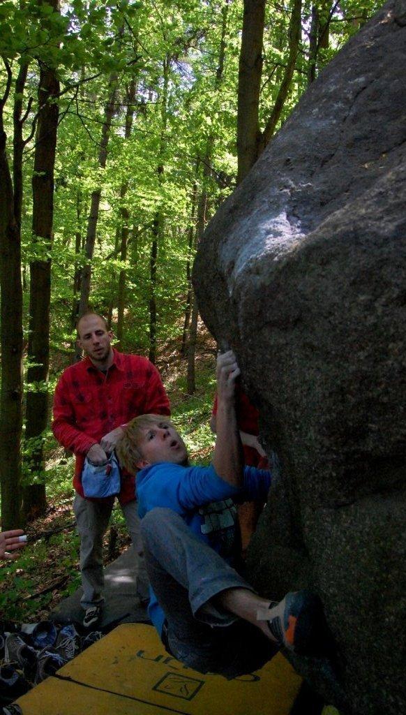 Timo H. in einem 7a Boulder